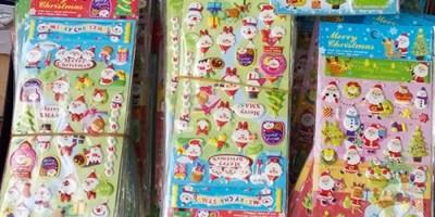 Miếng dán trang trí Noel chứa chất gây vô sinh  ung thư bán tràn lan tại Hà Nội