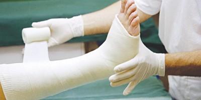 Phương pháp nắn  bó bột  tập vận động trong điều trị gãy xương